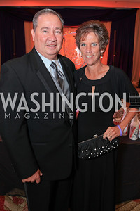 Bruce Mishler, Suzanne Mishler. The 2011 Joan Hisaoka Gala. Mandarin Oriental. October 22, 2011. Photo by Alfredo Flores