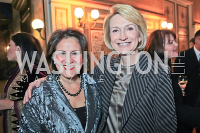 Anita McBride, Gahl Burt. The Ayenda Foundation's 2011 Annual Benefit Dinner Celebrating Six Years of Progress in Education Afghan Children. Mexican Cultural Institute. October 26, 2011. Photo by Alfredo Flores