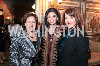 Anita McBride, Rosa Rai Djalal, Rachel Pearson. The Ayenda Foundation's 2011 Annual Benefit Dinner Celebrating Six Years of Progress in Education Afghan Children. Mexican Cultural Institute. October 26, 2011. Photo by Alfredo Flores