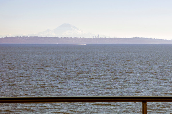 Mount Ranier and Seattle in background on a very hazy day.