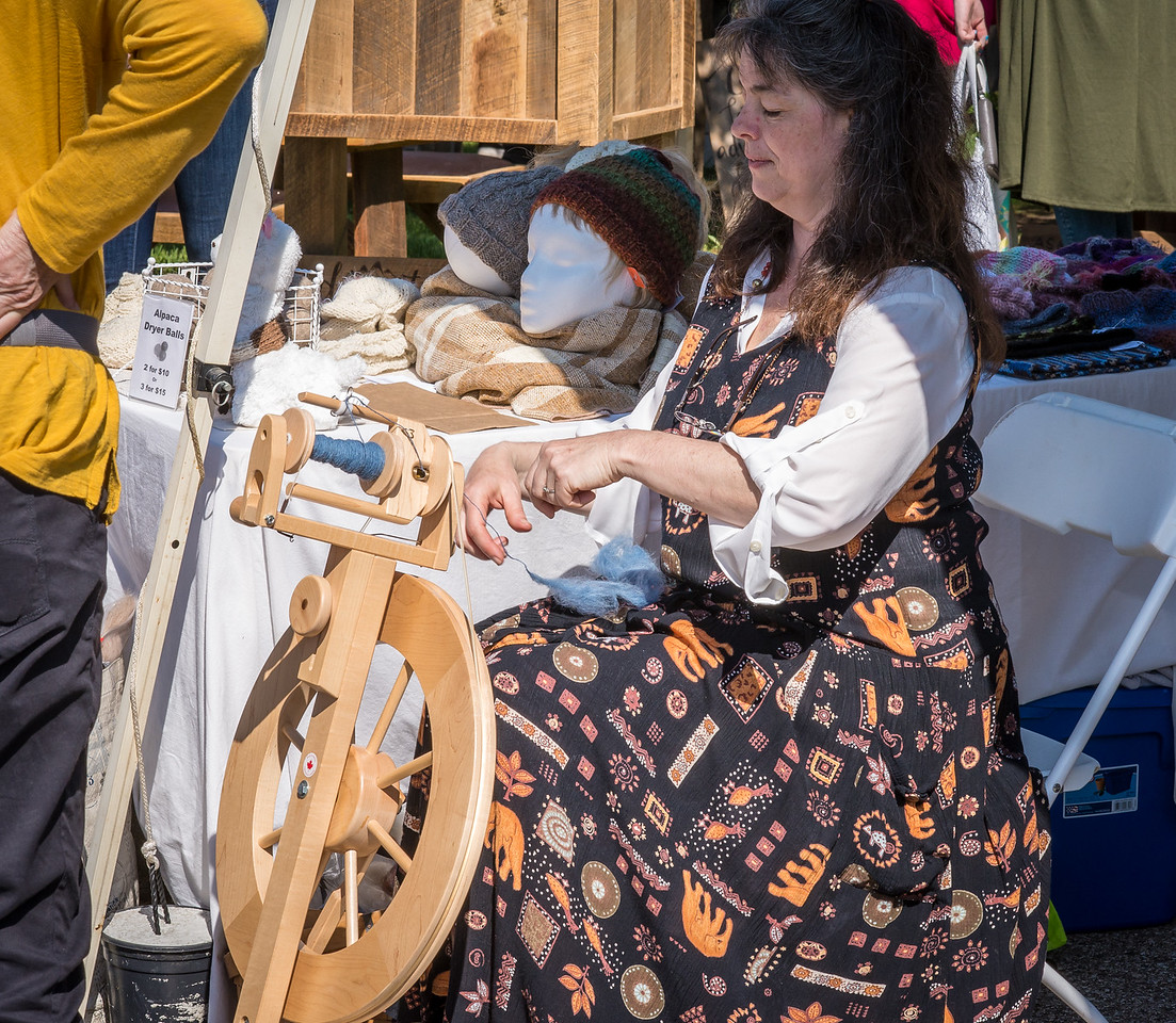 Weaver at Port Austin Farmer's Market - May 2017