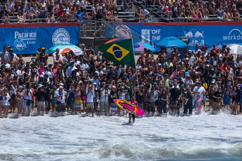 STANDOUT EVENT SURFER FILIPE TOLEDO