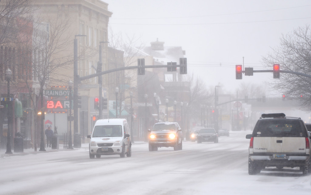 Justin Sheely | The Sheridan Press<br /> Traffic moves along Main Street in downtown Sheridan Wednesday, Jan. 10, 2018. The National Weather Service issued a winter weather advisory for the region, expecting