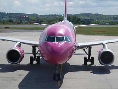 Wizz Airplanes in Gdansk 020