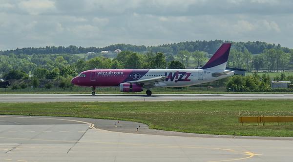 Wizz Airplanes in Gdansk 008
