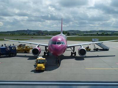 Wizz Airplanes in Gdansk 019