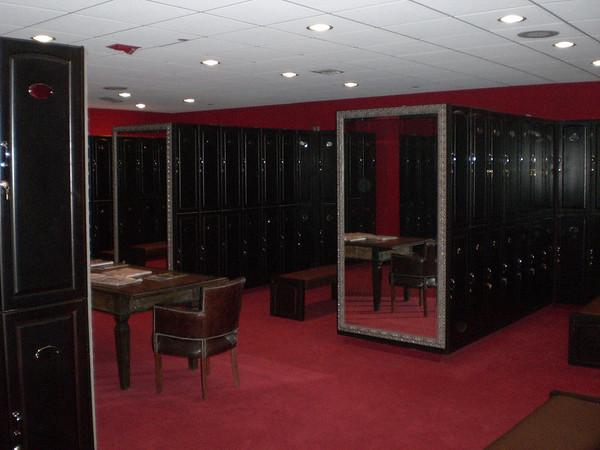 Men´s locker room.