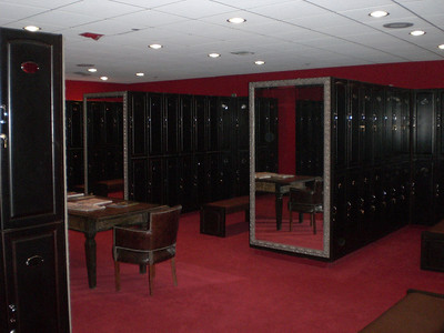Men´s locker room.