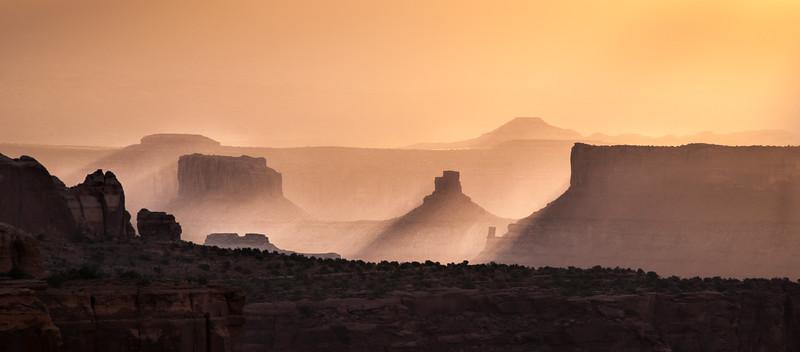 Golden Light Rays - Mesa Arch - Canyonlands National Park