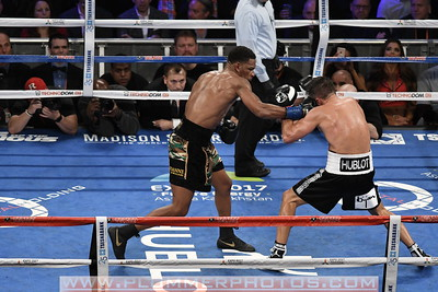Boxing 2017 - Gennady Golovkin Beats Daniel Jacobs by Unanimous Decision