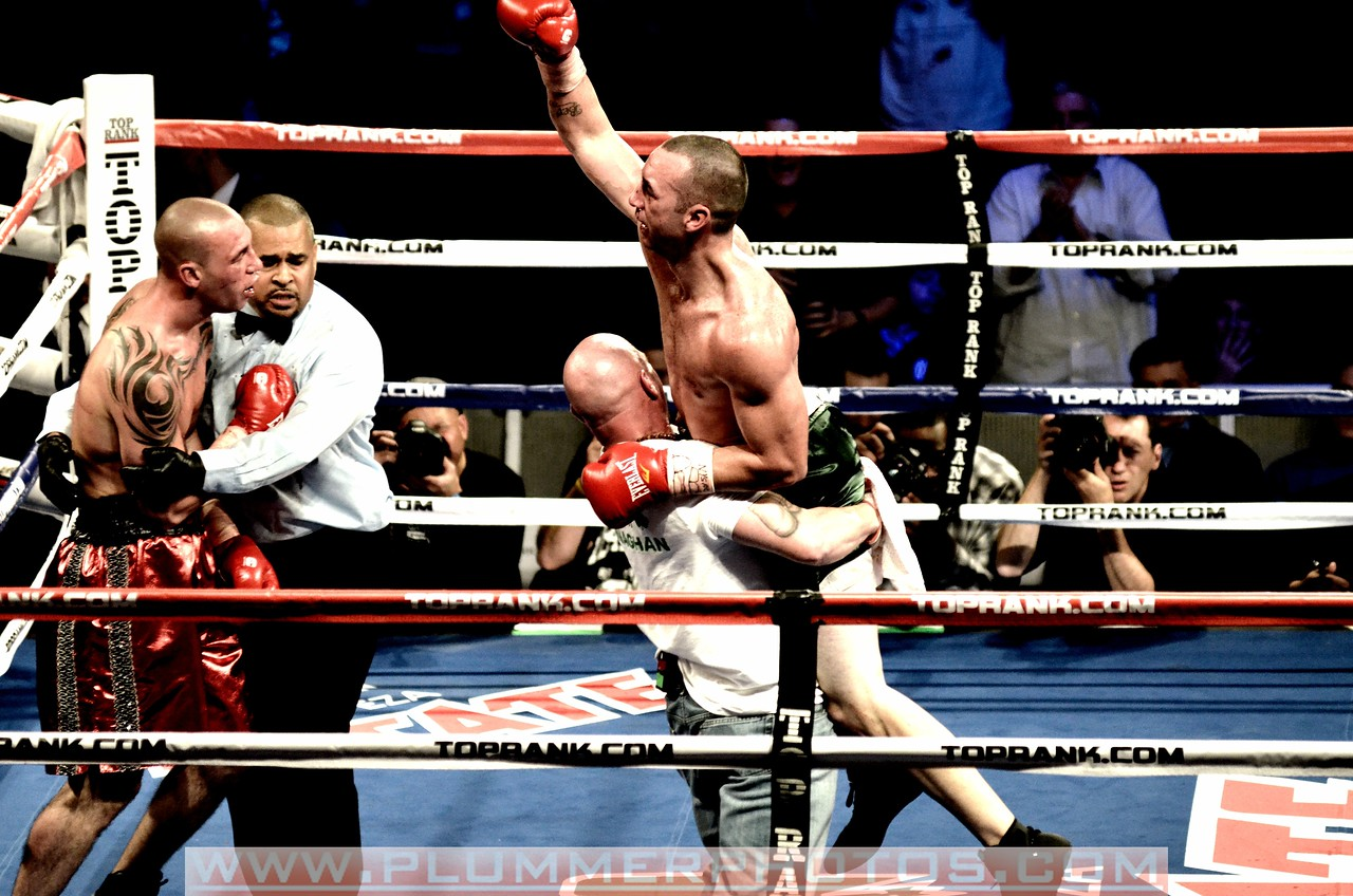 October 22, 2001-Sean Monaghan celebrates his fifth round TKO of Anthony Pietrantonio<br /> at Madison Square Garden's WaMu Theater in New York City, New York.