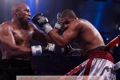 SETH MITCHELL (black trunks) battles CHAZ WITHERSPOON for the NABO heavyweight belt at Boardwalk Hall in Atlantic City.