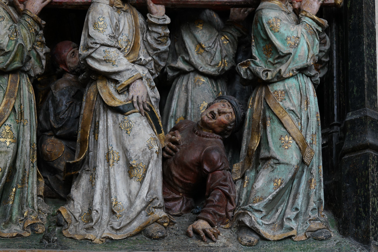 Amiens, Notre-Dame Cathedral, Mourner at Saint-Fermin's Burial