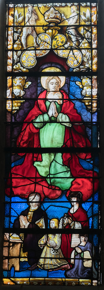 Beauvais, Saint-Etienne Church - Donors with The Virgin