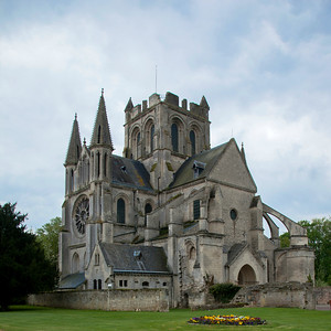 Braine , Saint-Yved Abbey