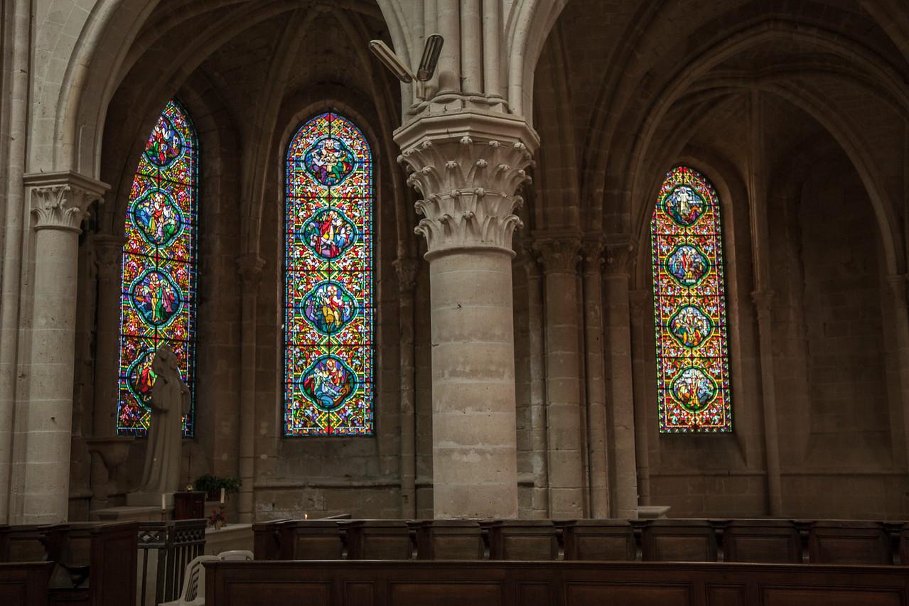 Braine, Saint-Yved Abbey Chapel Windows