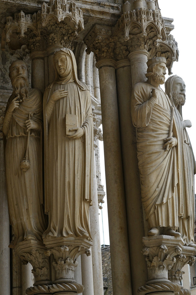 Chartres Cathedral North Porch, A High Priest and Prophetess