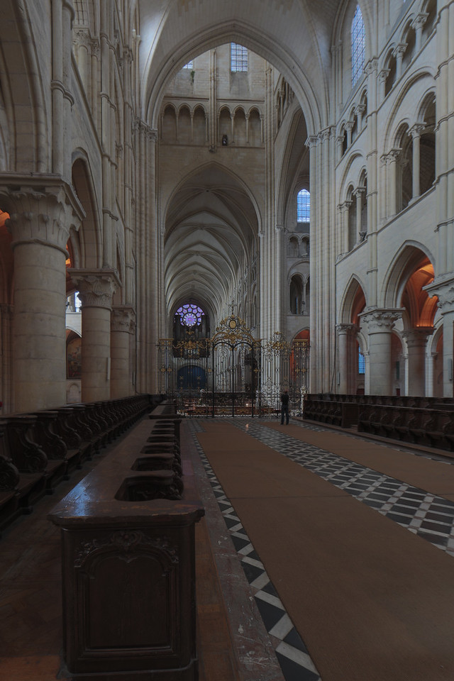 Laon Cathedral of Notre-Dame Choir, Crossing and Nave