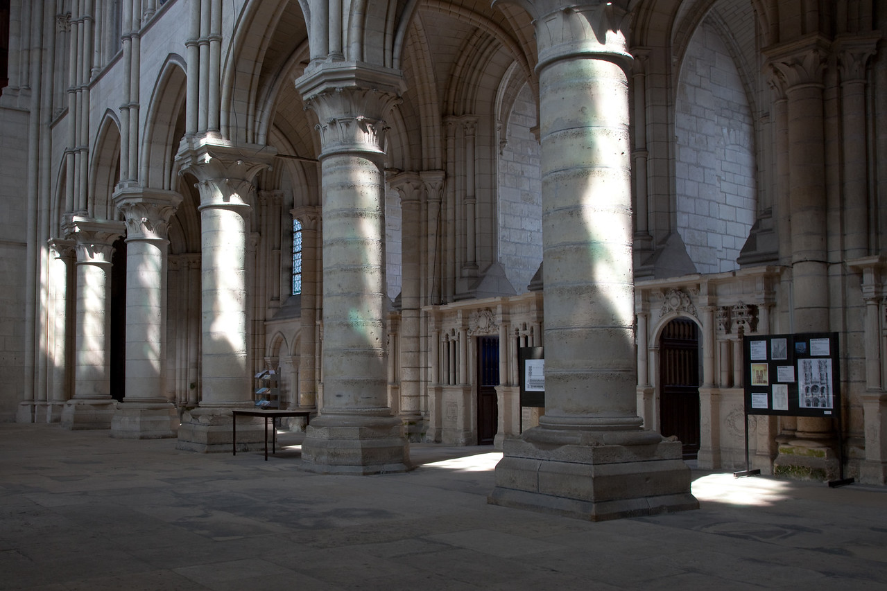 Laon Notre-Dame Cathedral Nave Columns