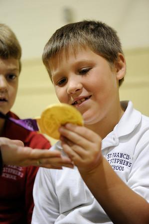 2012 Gold-medalist encourages kids