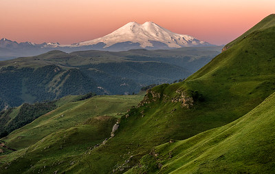 The Colors of Elbrus