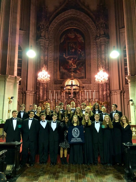 Upper School choir and band students perform in Vienna at Minoritenkirsche as part of the American Celebration of Music in Austria.