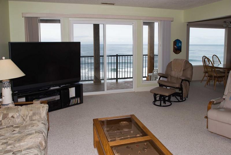 Cavalier Beachfront Condominiums<br /> Unit 36<br /> March 2009<br /> <br /> Copyright © 2009 Rick Kruer<br /> rickkruer.com<br /> cavaliercondos.com<br /> <br /> D200_20090321_1137_DSC_1425-Unit36-LivingRoomView-2.psd