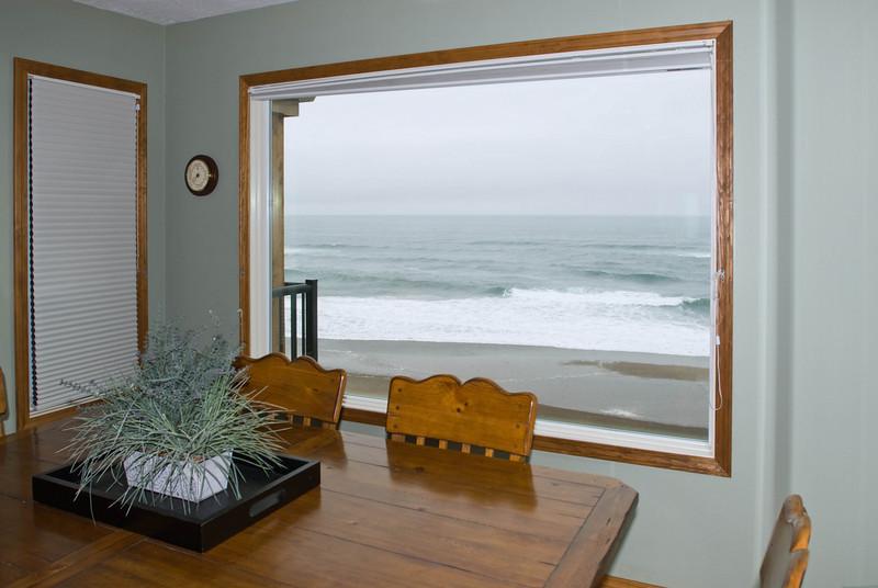 Cavalier Beachfront Condominiums<br /> Unit 40<br /> March 2009<br /> <br /> Copyright © 2009 Rick Kruer<br /> rickkruer.com<br /> cavaliercondos.com<br /> <br /> D200_20090319_1411_DSC_0856-Unit40-DiningRoomView-2.psd