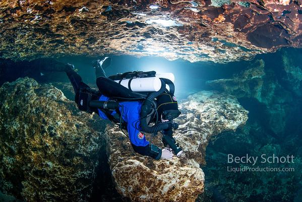 CCR diver in Devils Cave