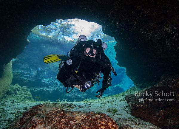 Rebreather diver enters Little River