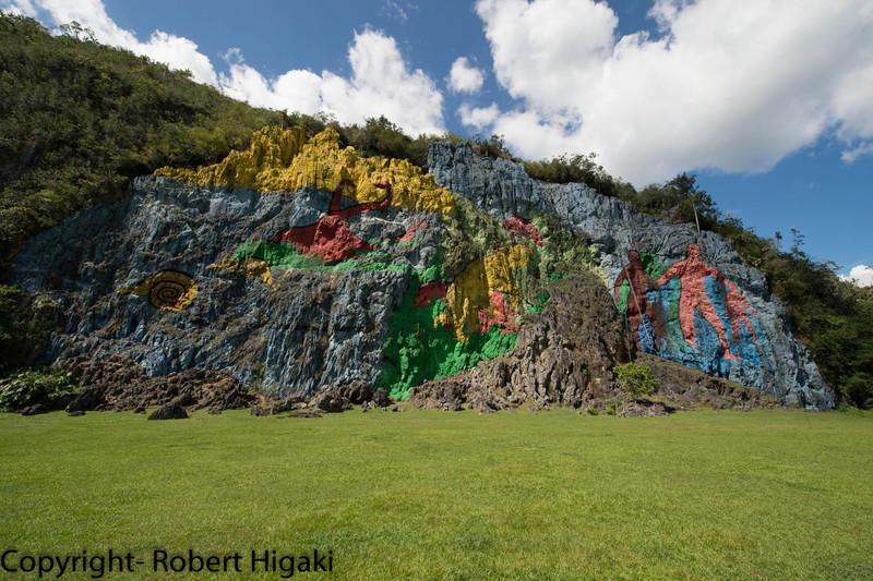 Mural de la Prehistoria/ Prehistory Wall