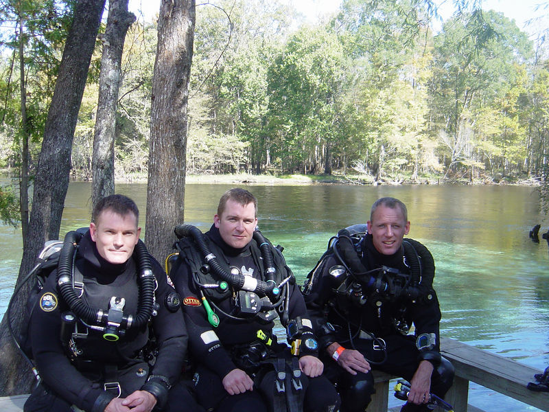 At Ginnie Springs prior to 4000ft round trip (158min) dive from Devils ear past bats onto Hill 400 line