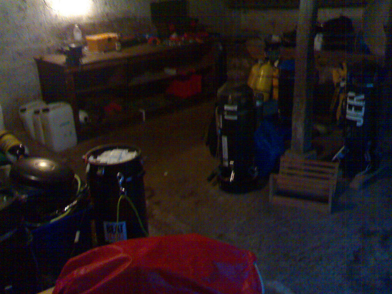 Jeromes dive gear room