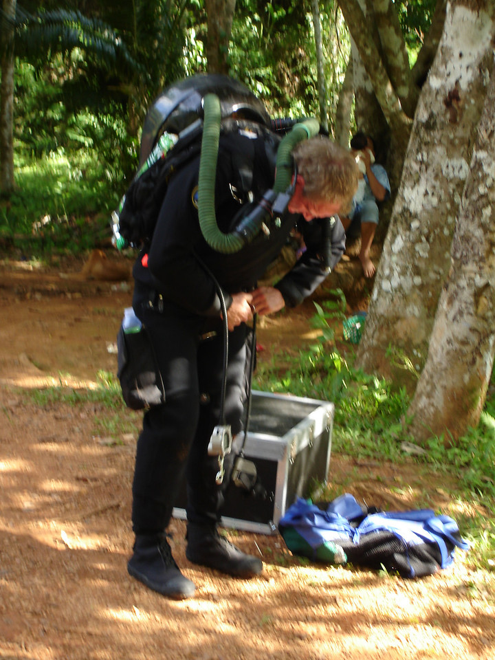 I am not hot in this 400 thinsulate, I am not hot in this 400 thinsulate,......<br /> <br /> Gearing up for dive to place habitats in cave