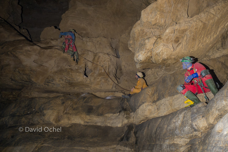 After a number of pitches, aid climbing what would become the first of a series of traverses leading to Tian Ping Miao Tiankeng.