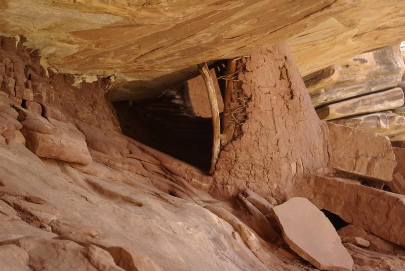 Small Storage Granary, near Fallen Roof Ruin
