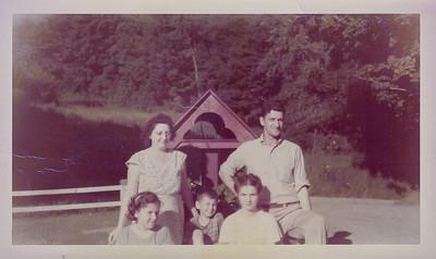 1940's Betsy w/Aunt, Uncle, Cousins