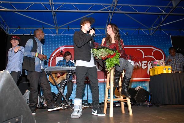 Radio Disney Concert: Jasmine and Justin Bieber Dec 2009