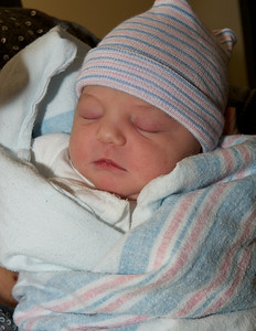 "Evelyn Lee Ross, 7' 11"" and 19"" long. Born Nov 29, 2011"