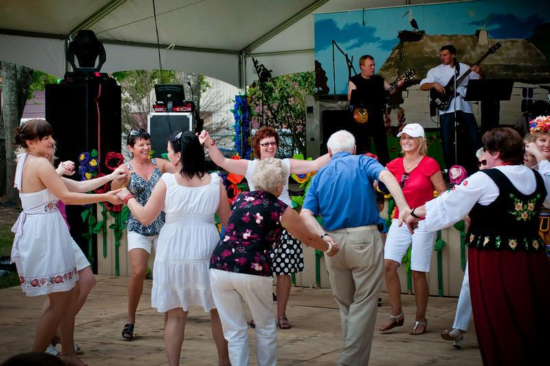 Dancing to the popular Polish music of the Halny Band