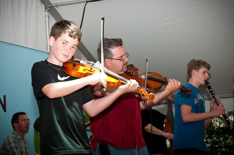 Brian Marshall and sons playing good Polish music