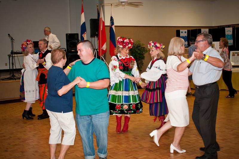 Dancing to the Polish music of Edward Winiarski