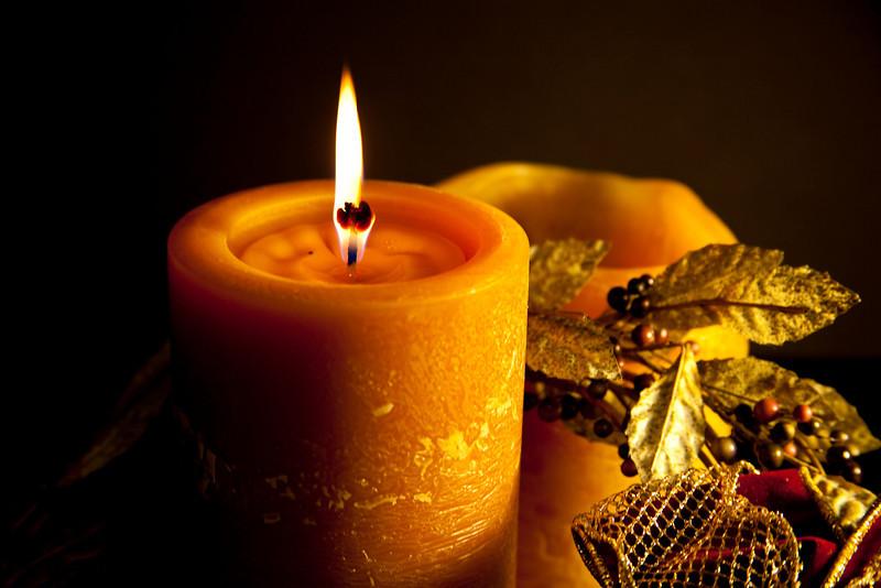 Thanksgiving candle celebrates the season.