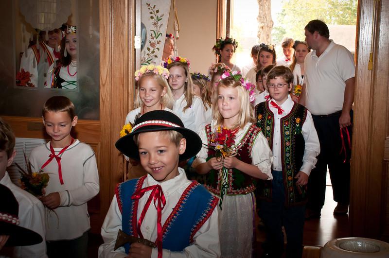 St. Stanislaus Parish children In Dozynki Mass procession.