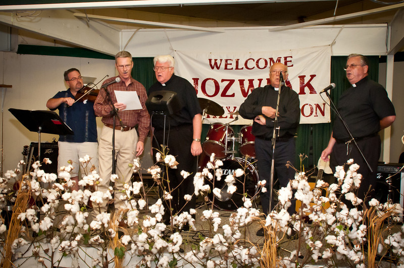 St. Stanislaus Pastor Fr. Józef Musiol singing with his Polish classmates
