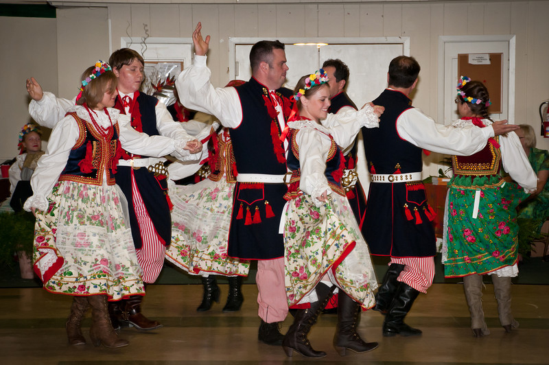 Entertainment by Wawel dancing group