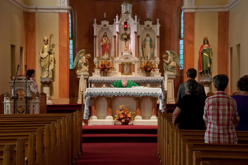Kmiec Reunion Mass At St. Stanislaus Catholic Church With Msgr. Ben Zientek