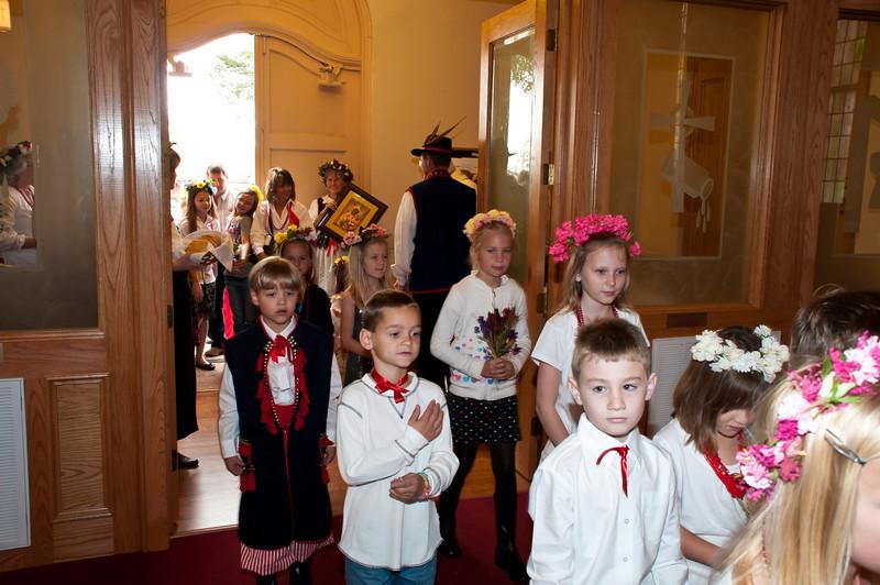 Dozynki Mass procession.