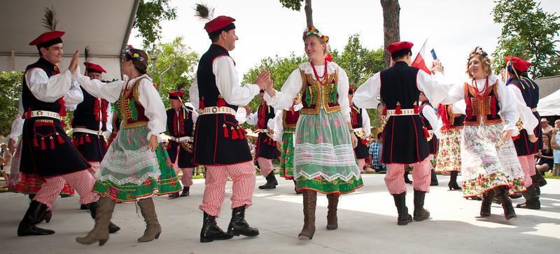 Wawel Fold Dance Ensemble entertains the crowd
