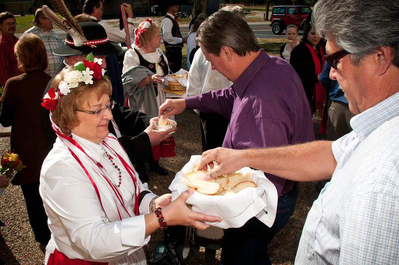 Sharing the Dozynki bread and salt after Mass.